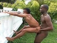 Wild ebony-skinned gay guy with a great body enjoying a fuck in his garden